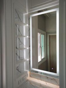 กระจกมีไฟโต๊ะแต่งหน้า
