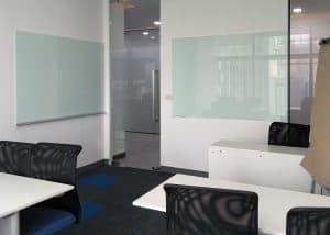 กระจกไวท์บอร์ดสำหรับห้องประชุม