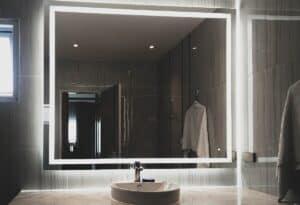 กระจกเงามีไฟห้องน้ำ