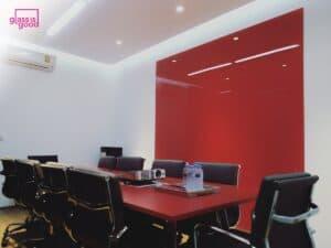 กระจกติดผนังห้องประชุมสีแดง2