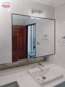 กระจกเงาห้องน้ำ
