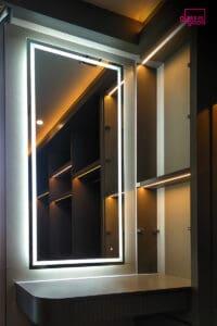 กระจกเงามีไฟมุมแต่งตัว