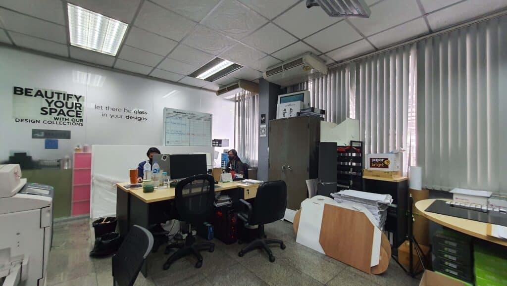 ม่านปรับแสงในห้องทำงาน