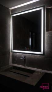 กระจกมีไฟในห้องน้ำ