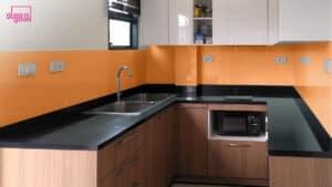 กระจกกันเปื้อนห้องครัวสีส้ม
