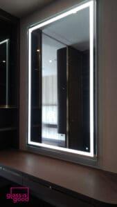 กระจกเงามีไฟสั่งตัด