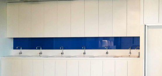 ตัวอย่างกระจกติดผนังสีน้ำเงิน
